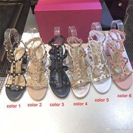 Женская обувь онлайн-2020 Luxury Модельер Stud сандалии из натуральной кожи Slingback насосы дамы сексуальный высоких каблуках моды Заклепки обувь партии высокой пятки