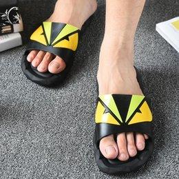 2019 zapatillas de plástico antideslizantes Zapatillas de dibujos animados de plástico antideslizante suave sandalias al aire libre creativo verano pareja hogar zapatos zapatos de agua 2 unids / par CCA11522 10 pares zapatillas de plástico antideslizantes baratos