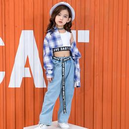 d7e9ac52b0 2019 Crianças Jazz Traje de Dança Trajes de Palco Desempenho de Rua Para  Meninas Jeans Camisa Xadrez Hip-Hop Coreano Roupas DWY1171 desconto trajes de  dança ...