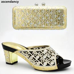9a61c177 Último diseño de zapato y bolsa italianos para la fiesta en las mujeres  nigerianas Mujeres boda zapatos y bolsa conjunto decorado con diamantes de  imitación