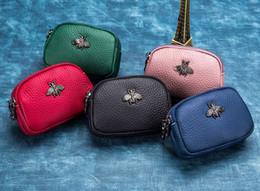sacs en cuir Promotion Double Zipper Pocket Coin Bag Cuir de vachette Mini sacs mignons solides couleur pure nouvelle mode Change Wallet Petit sac avec des cadeaux d'abeille