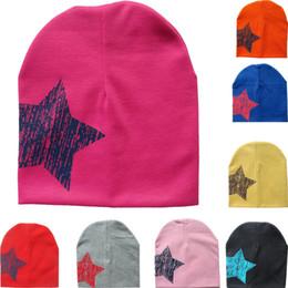 Prezzo inverno dei ragazzi invernali online-Cappello da bambino primaverile Cappellini autunnali Berretto per bambini con stelle colorate per bambini Cappelli invernali per bambini Cappelli invernali per bambini Prezzo più basso