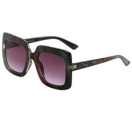 gli occhiali da sole donne degli uomini corrispondenti Sconti Occhiali da sole di lusso alla moda Stage Show Occhiali da sole esplosione abbinati al colore per donna e uomo Occhiali da sole con protezione UV400 Occhiali da sole