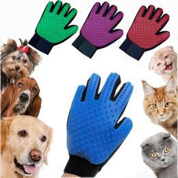 2019 kleine haustiere Pet Grooming Glove Hundebürste Deshedding Glove Pet Haarentferner Pet Mitt Massage-Tool für Hunde Katzen Kleintiere rabatt kleine haustiere