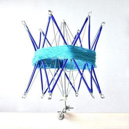 Lã de fio de crochê on-line-Fio de Tricô Guarda-chuva De Fios De Lã Fio Winder Titular Mão Operado Meadas Linha Crochet Ponto Craft Ferramenta Q190531
