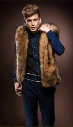 La moda del chaleco de conejo online-Moda de invierno Abrigo de pieles de los hombres Chaleco de piel sintética gruesa Abrigos de los hombres con capucha Hombre Ropa de abrigo Abrigo de piel de lana Imitación Pelo de conejo salvaje