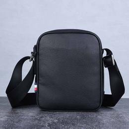 Hombres cruz cuerpo cuero hombro bolsas online-Hombres de cuero genuino Messenger Bag Famous Brand Fashion Man bandolera Diseñador Hombre Cross Body Bags Alta calidad