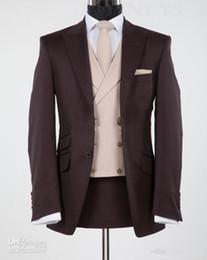 Chaleco marrón de negocios online-Nuevo diseño marrón chocolate pico solapa novio esmoquin padrinos de boda trajes de chaqueta de boda trajes de negocios (chaqueta + pantalones + chaleco + corbata) XF226