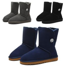 9286a1113b300 2018 bottes de fourrure grise Marque de luxe Designer Femmes Chaussures  Bottes De Neige Haute Fourrure