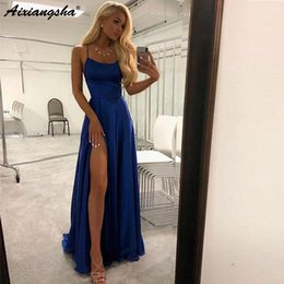 Baile elegante vestidos correias fendas on-line-Simples mas elegante design vestido de cetim Spaghetti Prom vestidos 2019 Royal Blue fenda alta Evening Prom vestidos longos