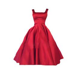 Canada Robes de demoiselle d'honneur sans manches sexy, robes courtes rouges, robes sexy sans dossier pour les jeunes filles sont vendeurs chauds en 2018 Offre