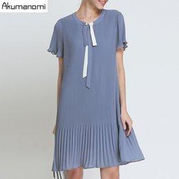 Vestidos curtidos de drapeado de chiffon plissado on-line-Verão Chiffon Drapeado Vestido Roupas Femininas Azul Lace-up O-pescoço plissado Vestido de Manga Curta Plus Size 5XL 4XL 3XL 2XL XL L