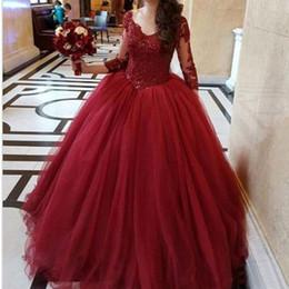 2019 mejor vestido corto rojo Precioso vestido de fiesta vasco rojo Vestidos de quinceañera 16 años de corpiño de encaje 3/4 de manga larga con cuello en v escote Vestidos de fiesta de graduación