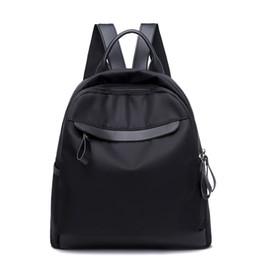 baratos mochilas de couro mulheres Desconto Nylon Mulheres Mochila Moda Barato Estudante Rebite Mochila De Couro Mulheres