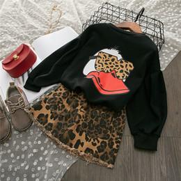 fatos de treino de leopardo preto Desconto Crianças roupas Set Meninas Roupa Nova Outono manga comprida preta Daisy shirt + Leopard Saias Crianças 2pieces Treino bebê
