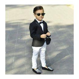 Siyah Erkek Takım Elbise Ince Doruğa Yaka Bir Düğme Fit çocuğun Smokin Çocuklar Resmi Takım Elbise Set (Ceket + Pantolon + Yay) cheap one button suits for boys nereden erkek için bir düğme uygun tedarikçiler