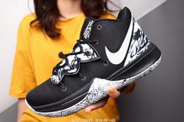 Venta caliente Nuevas fuerzas Clásico Todo Blanco negro corte alto hombres mujeres zapatillas deportivas Calzado casual Forceing one running Shoes tamaño 40-46 desde fabricantes