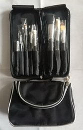 Set di pennelli di trucco di buona qualità online-Nuovi strumenti professionali per il trucco Borse cosmetiche con cerniera multifunzione e set da 8 pezzi Set da collezione Maquillage di buona qualità