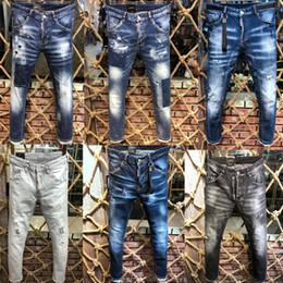 Altmodische lichter online-Außenhandel der Mode-Männer hellblaue schwarze Jeans keucht Motorradradfahrermänner, die sich waschen, um die alte Faltenhose zufällige Runway-Denim zu tun