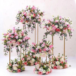 Декоративные стойки онлайн-Декоративные свадебные колонны Столбы Металл Золото Свадебные подставки для цветов Букеты Украшения Центральная ваза