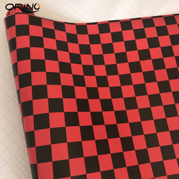 Preto Vermelho Quadriculado Bandeira Decalque Adesivo de Parede Quadriculado Bandeira Camuflagem Vinil Carro Enrole Corrida Motocicleta Scooter Adesivo de Carro filme de Fornecedores de autocolantes de corridas de carros pretos