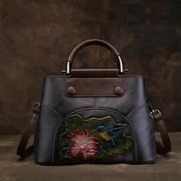 bb1803a193872 Hohe Qualität Echtes Leder Frauen Cross Body Schultertaschen Tote Handtasche  Vintage Geprägte Lotus Rindsleder Messenger Top HandleBag
