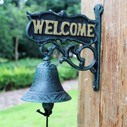 2019 bienvenido decoración de la pared Antique Cast Iron BIENVENIDA Dinner Bell Nordic Dark Green Wall Mount Home Decor Metal Door Bell para tienda Tienda Pub Jardín Exterior Vintage rebajas bienvenido decoración de la pared