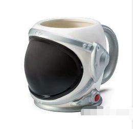 Copos pretos de porcelana on-line-2019 Astronauta Porcelana Caneca Astronauta Capacete Copo de Café Copo de Cerâmica Criativa Caneca de Café de Ouro Prata Preto 20 oz