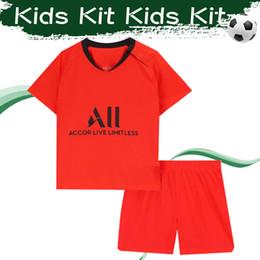 Camisa alaranjada dos meninos on-line-Kits do miúdo # 10 NEYMAR JR Camisas de Futebol 2019/20 Afastado Laranja Criança Camisa De Futebol # 7 MBAPPE # 9 CAVANI Menino Uniforme De Futebol Com Shorts