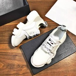 ZAPATILLAS BAJAS EN Y DE PIEL 2019 Zapatillas de deporte de malla para hombre Zapatillas de malla Malla de ante de gamuza con suela de cuero estilo muesca desde fabricantes