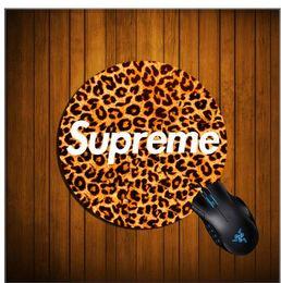 Yuvarlak Mouse Pad Mat Bilgisayar Pc Laptop Için 12 Renkler Romantik Ultra Yumuşak Doğal Olmayan Kaymaz Lastik Pedi Gezegen Hayvan Serisi Oyun Fare Pa nereden