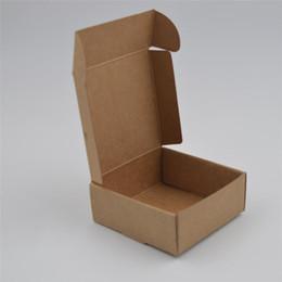Scatole marrone naturale online-Scatola marrone naturale di 10pcs / lot Kraft, scatola di imballaggio di carta kraft nera per gioielli, scatola di sapone piccolo bianco, scatole di carta di caramella 12sizes
