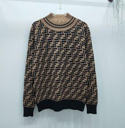 Botones con capucha online-Nueva Primavera Mujeres V-collar botón cartas jacquard chaqueta de punto con capucha suéter de punto flojo