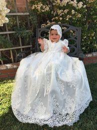 Meilleures robes de baptême en Ligne-Meilleure vente robes de baptême en dentelle pour bébés filles Jewel Neck dentelle Appliqued robes de baptême Première robe de communication avec Bonnet