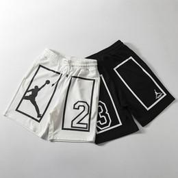 tuta da ginnastica cordura Sconti Mens Designer Shorts lunghezza ginocchio paio Active Drawstring Letter Stampa 1/2 tasca Pantalone per il basket in esecuzione Sport all'aria aperta bianco nero