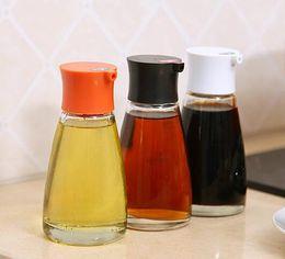 Essig öl topf flaschen online-HOT Dripless Glas Sojasoßenspender Pot Steuerbare Leakproof Olivenöl Essig Menage Flasche mit Orange Grün Weiß Schwarz Cap