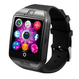Q18 kavisli renkli ekran smart watch sim kart çağrı fotoğraf bluetooth uyku izleme spor adım uzun süre hatırlatma çağrıları IÇIN: IPHONE Samsung cheap smart watch sim card ios nereden akıllı saat sim kartı ios tedarikçiler