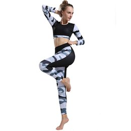 Pantalones de camuflaje de yoga online-Mujeres Yoga Fitness Set Camuflaje Patchwork Top de manga larga Pantalones Trajes de 2 piezas Ejercicio Entrenamiento Ropa Deportes Ropa deportiva