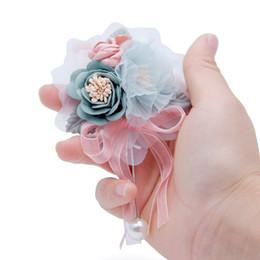 Deutschland Artificia Corsagen für die Bräutigam Groomsmen Party Prom Westen Anzug Hochzeitsanzüge für Männer Hochzeitsanzug Groomsmen Silk Rose Flowers Pearls Versorgung