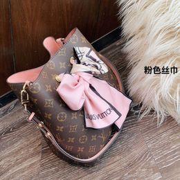 Tops liste online-2019 Neue Auflistung Kostenloser Versand Frauen Designer Handtasche aus echtem Leder Mode mit Scarfin