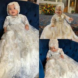 2019 Manches Longues Robes De Baptême Pour Bébés Filles Dentelle Appliqued Perles Robes De Baptême Avec Bonnet Première Sainte Communication Dress ? partir de fabricateur