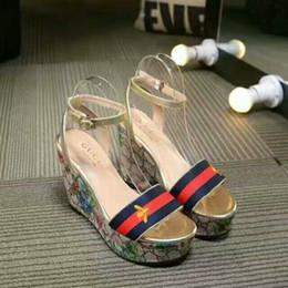 2019 лето высокого качества последней модной женской роскошной обуви классические модные сандалии дикие вечеринки женская повседневная обувь от Поставщики супер ангелы