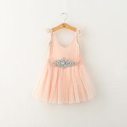 Vestido branco cinto rosa on-line-Venda quente Elegância Crianças Meninas Vestidos de Outono Branco Rosa 2 Cores Crianças Vestidos Com Cinto de Diamante de Varejo Roupas Das Meninas Do Bebê
