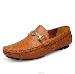 c9b8dcca 2019 mocasines negros Nuevo estilo británico para hombre zapatos de  conducción Penny Loafers zapatos del barco