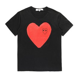 d camisetas Desconto Top Quality Summer Fashion Designer C-D-G play T-Shirts #022 Luxury commes des garcons Mens Women Casual Cotton Print red Heart Tees Mask