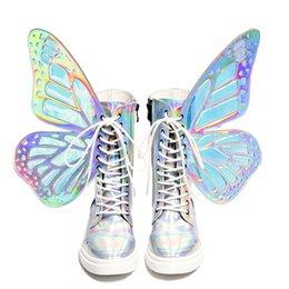 Маска для обуви онлайн-Бесплатная доставка Волшебный цвет Короткие Сапоги Женщина 3D крылья бабочки боковой молнии зашнуровать Мода Повседневная Обувь Женщины красочные Bling Лодыжки серебро 01