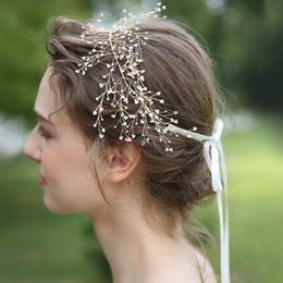 a67832c3438087 Charme Gold Hochzeit Haarschmuck Blume Tiara Für Frauen Perle Brautjungfer  Prom Kopf Schmuck Stirnband Braut Kopfschmuck