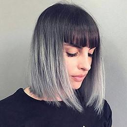 2019 perucas sintéticas com tampa completa Grey Ombre peruca curta com Bangs - Silver Grey Ombre escuras Perucas Raízes Bob cabelo sintético completa Perucas retas para mulheres com peruca Livre Cap Curto perucas sintéticas com tampa completa barato