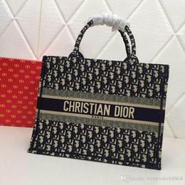 2019 bufandas de inglaterra Bolsos de diseñador vendidos en caliente Bolsos de bandolera de lujo para mujer Bolsos de hombro para mujer Regalos de Navidad de diseñador de cadena de cuero 286 w88