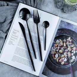 2019 set da pranzo nero 304 in acciaio inox posate da tavola Cena insieme Forks Coltelli Scoop Set Argenteria Set Titanium Black alimento della cucina di tavola sconti set da pranzo nero